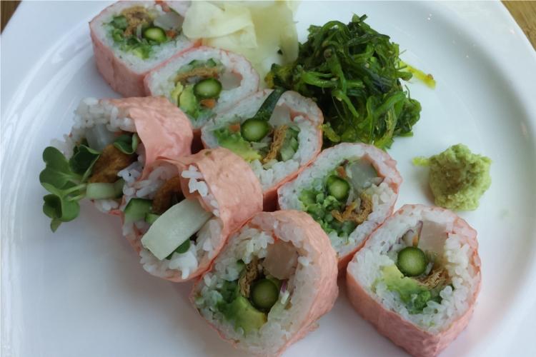Ahi sushi