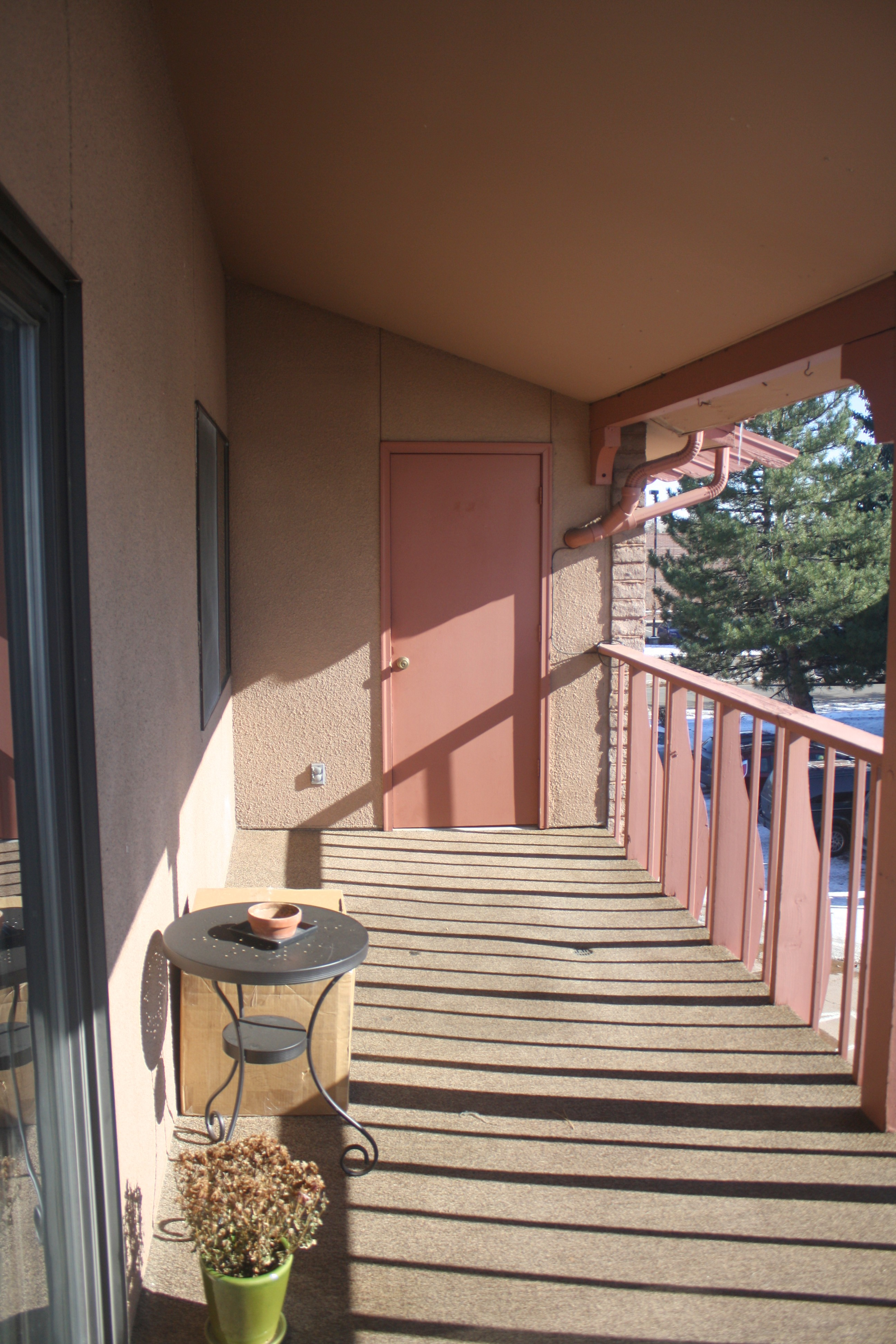 balcony E